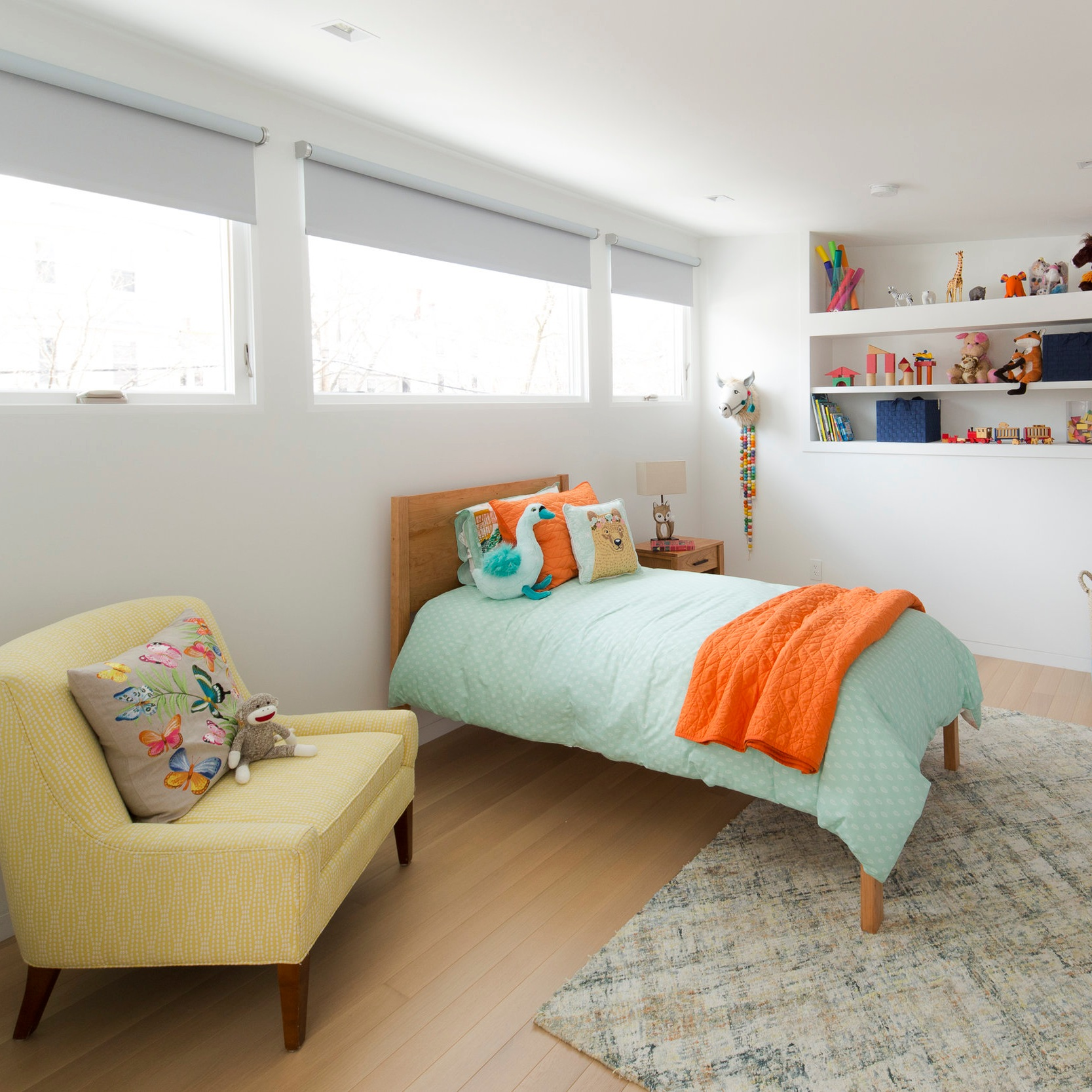 Blackout fabric provides total privacy, reduces solar heat gain, and blocks light for a room darkening effect. -