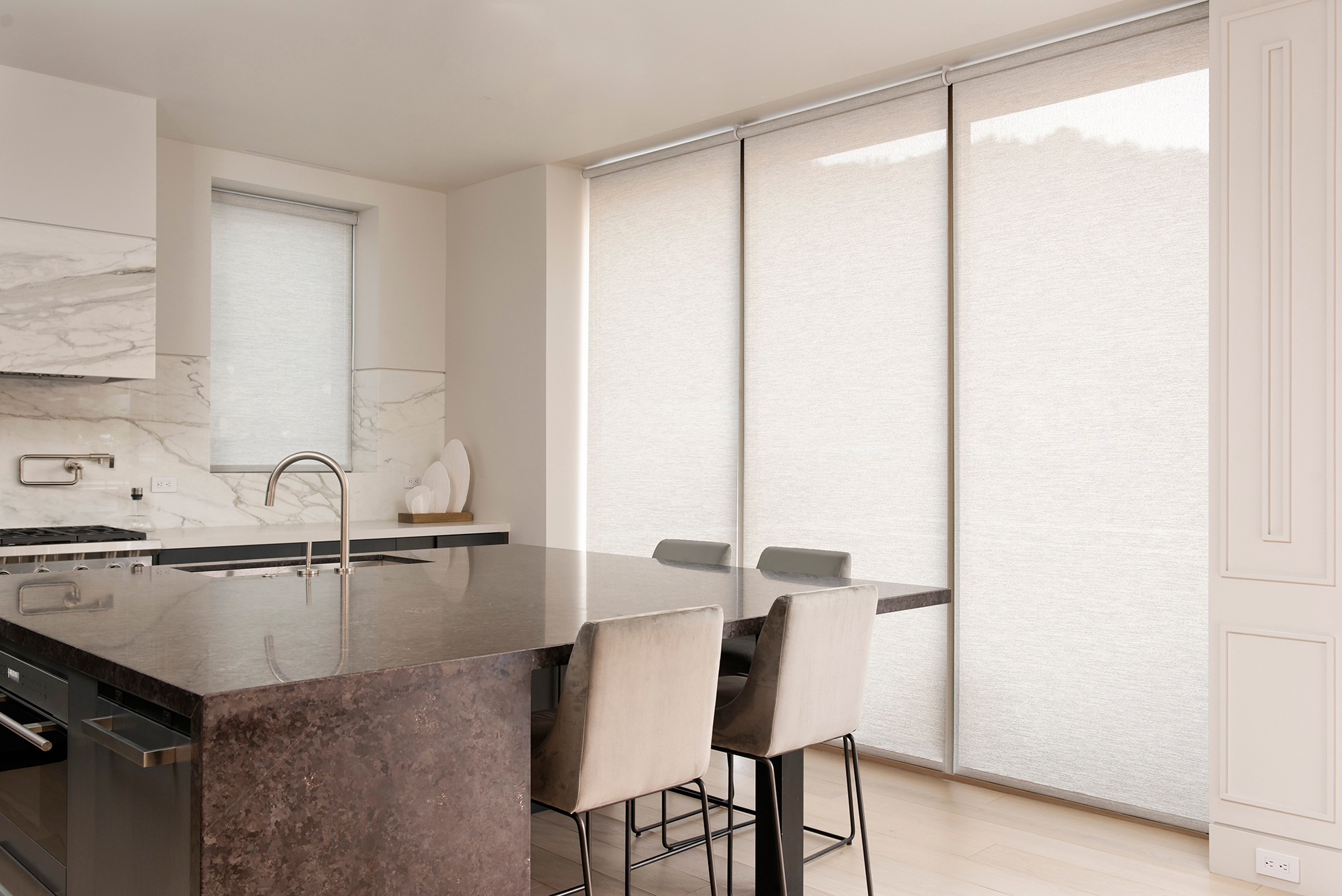Motorized Shades   D Series White