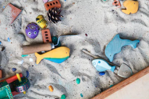 Play therapy sand box