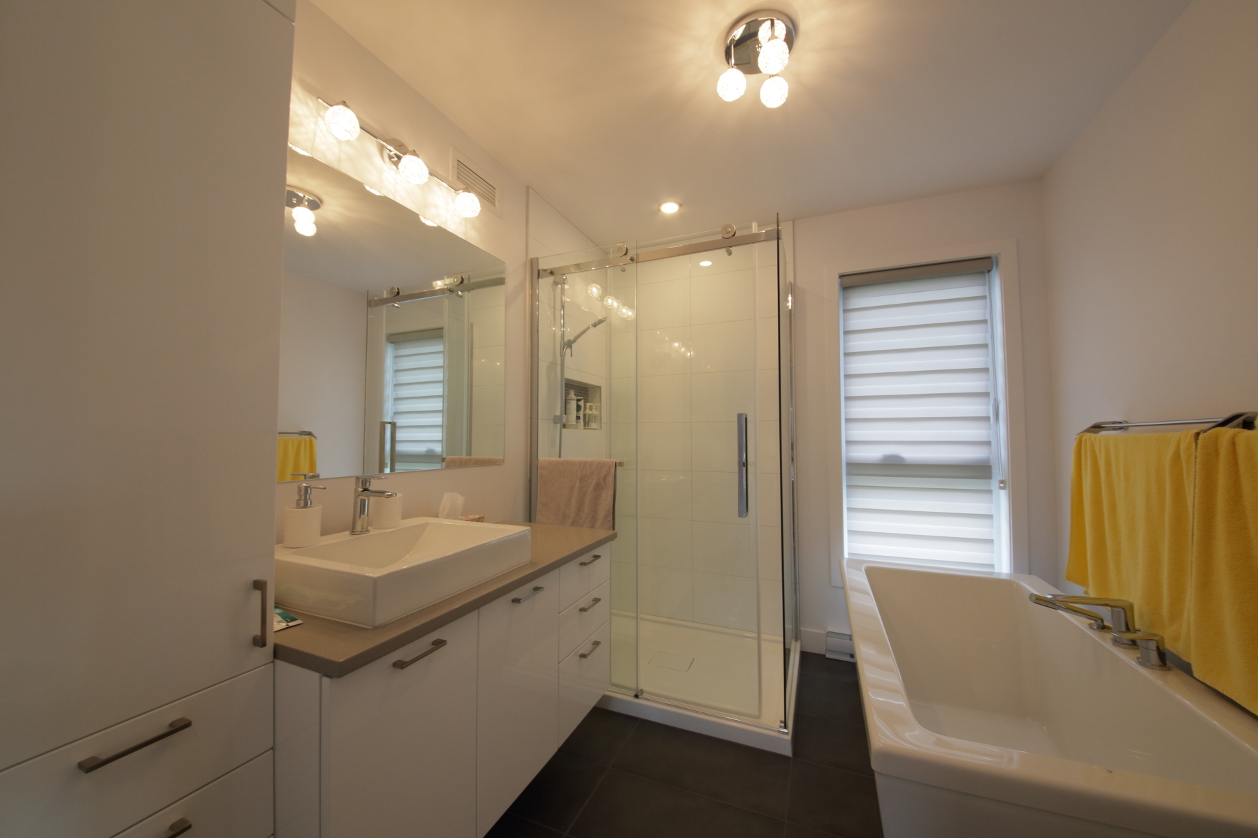 2967, De la Rochelle_salle bain 2.JPG