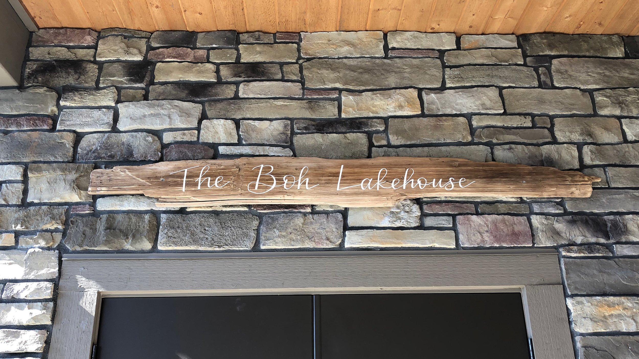 signage_lakehouse.jpg