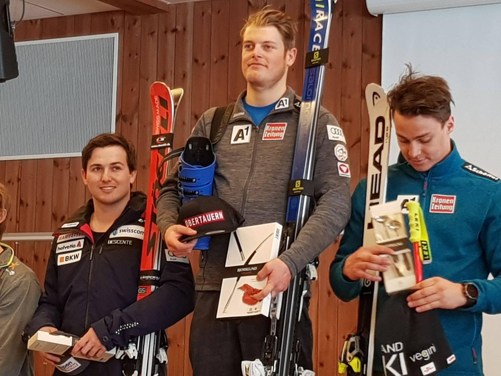 Podest 2. Europacupabfahrt v.l. Urs Kryenbühl, Christopher Neumayer & Christoph Krenn