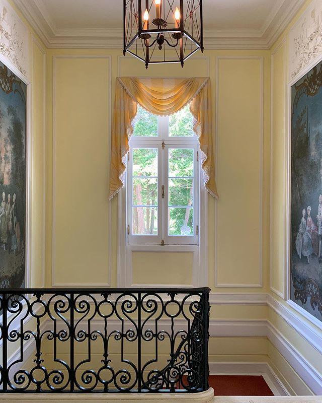 Edith Wharton took a keen interest in interior design, even penning what would become an authoritative book on the subject, The Decoration of Houses. Her talent is on full display in the Berkshire estate she designed for herself and her husband, seen here. #homedesign #homeinteriors #interiordesign #berkshires
