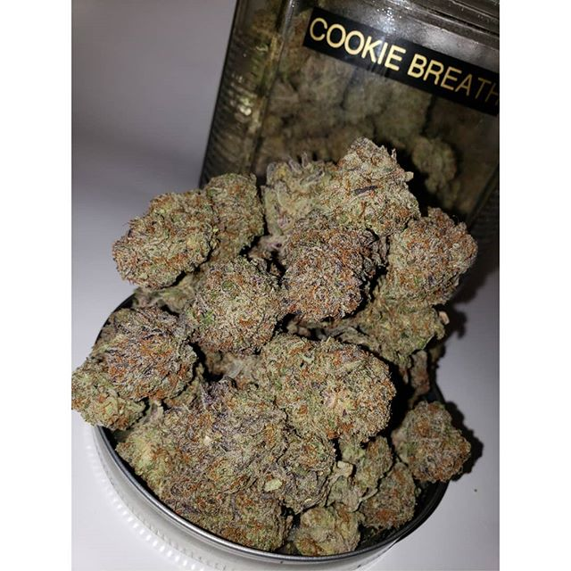 CONNOISSEURS COOKIE BREATH👏🏻 4 GRAM 1/8THS ALL DAY🔥 HAPPY HOUR 4:20-5:20🍁 LET US MEDICATE YOU 💨 NOTHING FOR SALE 🚫 #cannabiscommunity #cannbisphotography #concentratecommunity #cannabisphotography #cannabislover #smokersclub #smokedaily #whittiertopshop #whittierca #prop215