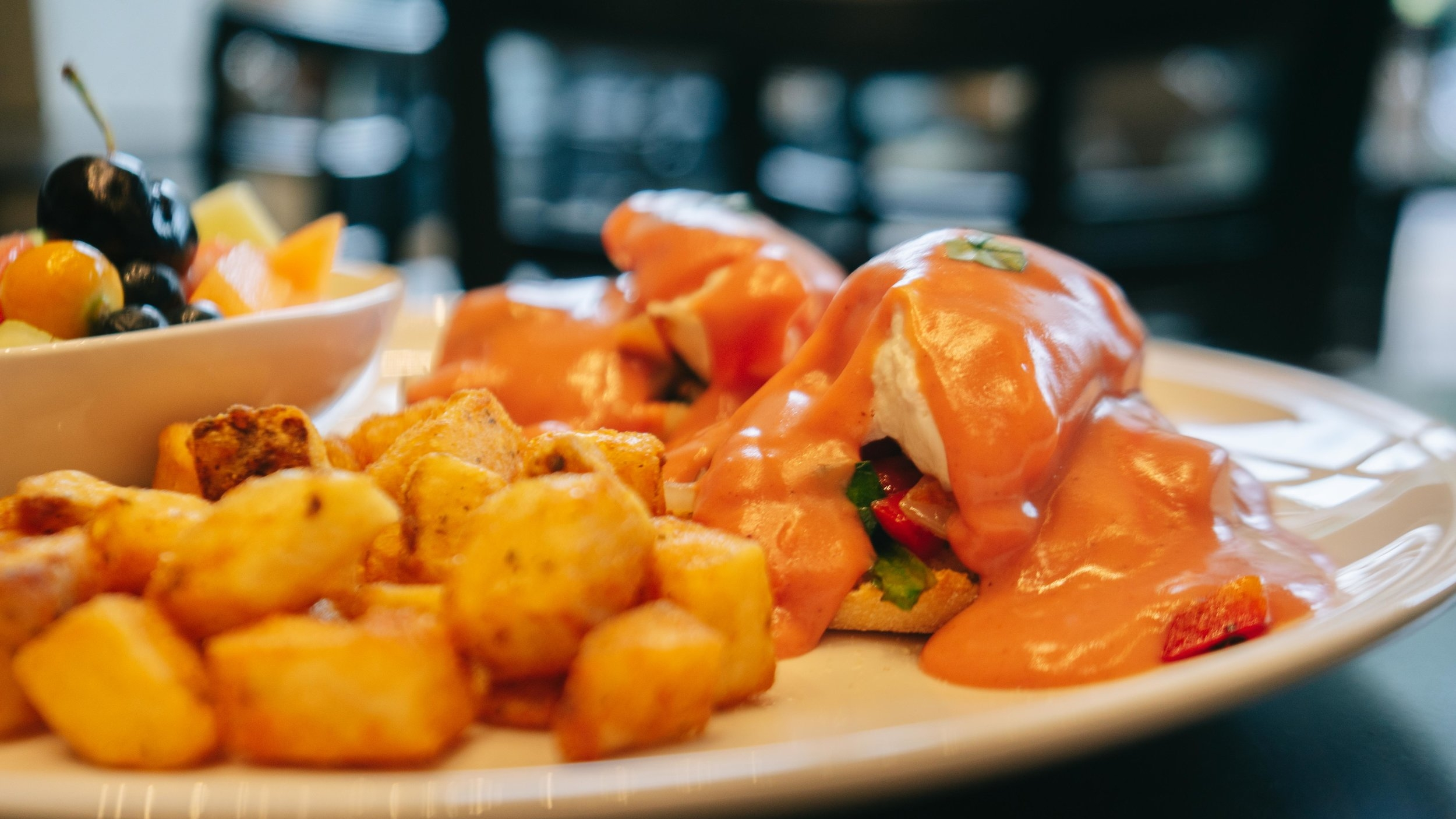 PINK PANTHER EGGS BENEDICT -