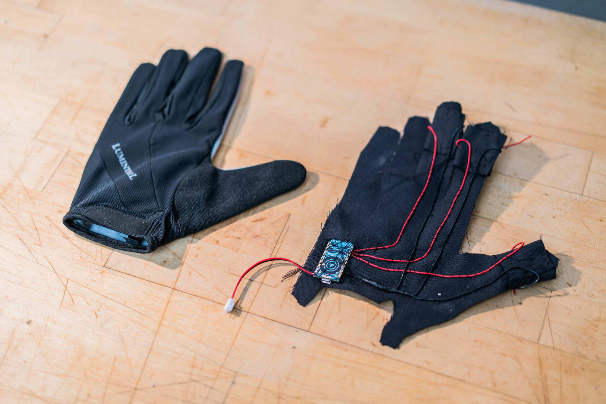 gloves-4.jpg