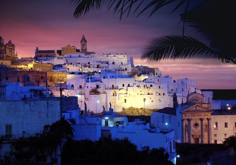 OSTUNI BY NIGHT-Tuesday evening time - Starting point is at Sant Oronzo square where the guide will explain the history and the architecture of the town. The itinerary continues with the walk up to the cathedral. Free time for pictures and shopping along panoramic streets.