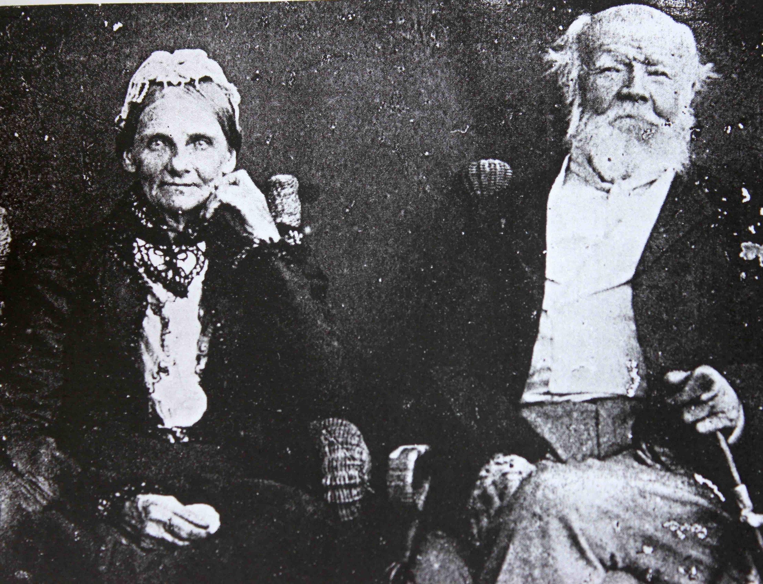 John and Mary Drummond 1900.jpg