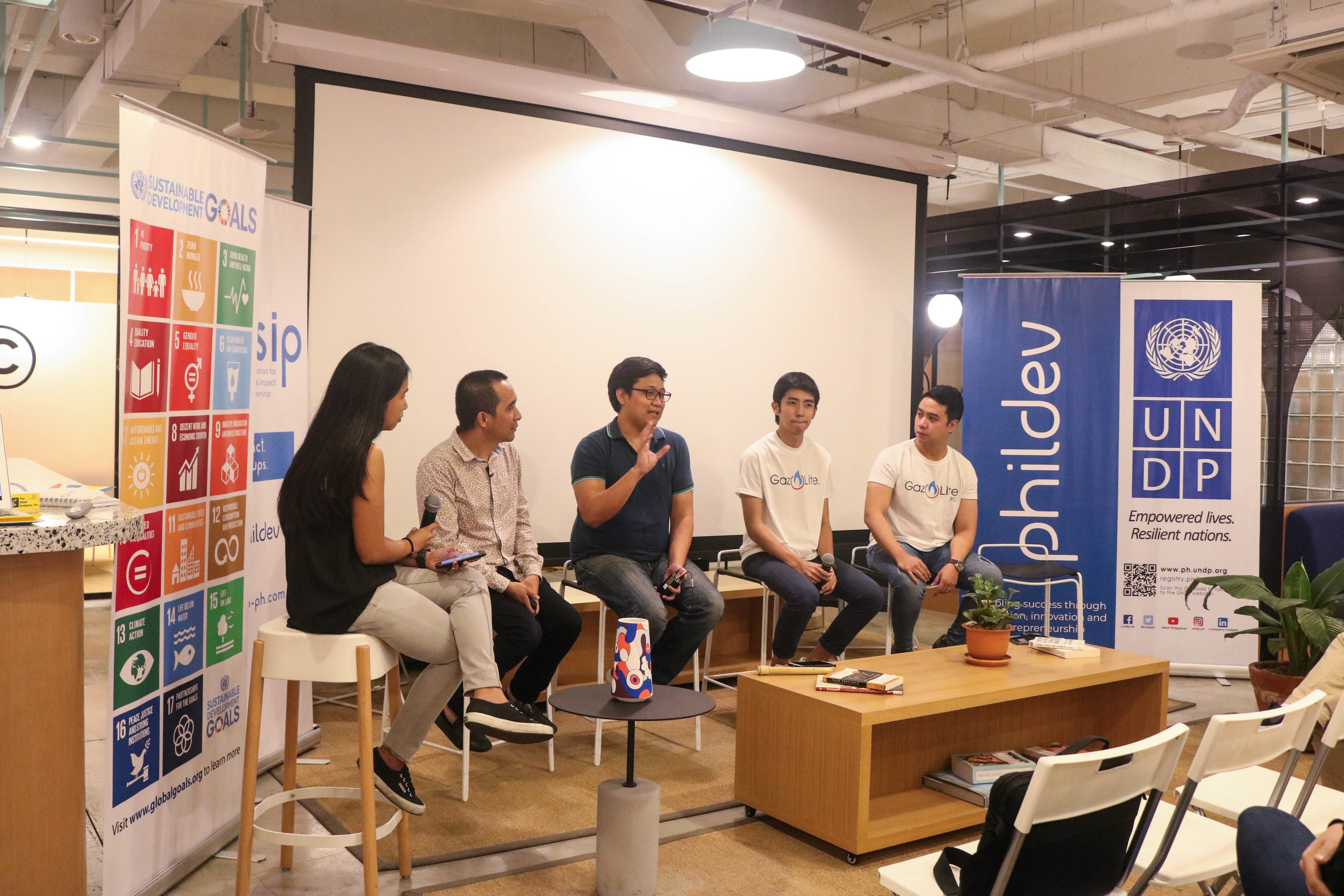 Social Enterprise Founders share their journey in the Social Impact Accelerator. (From Left to Right: Micah Asistores (Moderator), Mark Gersava (Bambuhay), EJ Arboleda (Taxumo), Matthew Par and Nathan Camat (Gaz Lite)