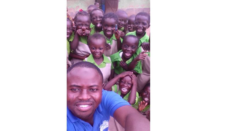 Say whaaaaaa - Volunteering in Africa