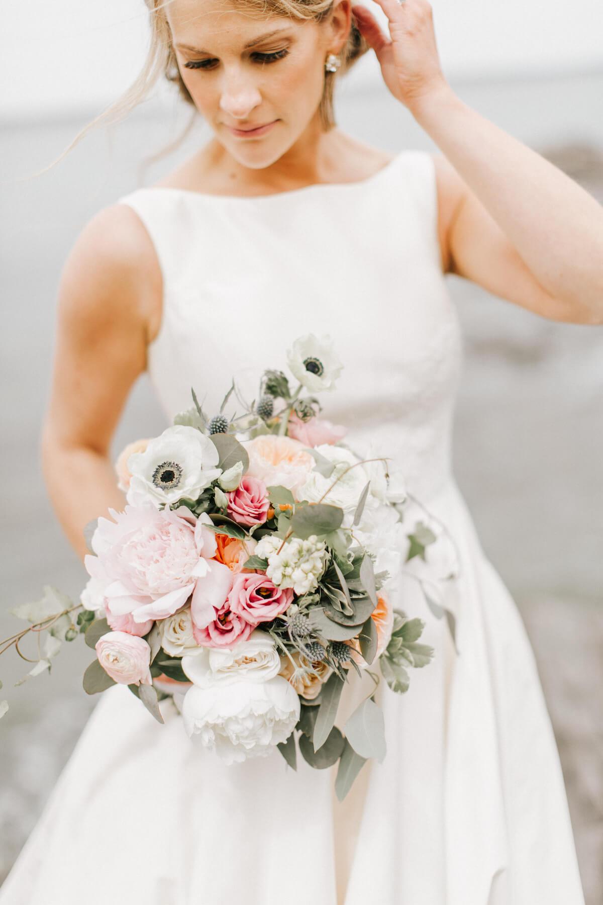 classic-bridal-bouquet-pastel-pink-roses.jpg