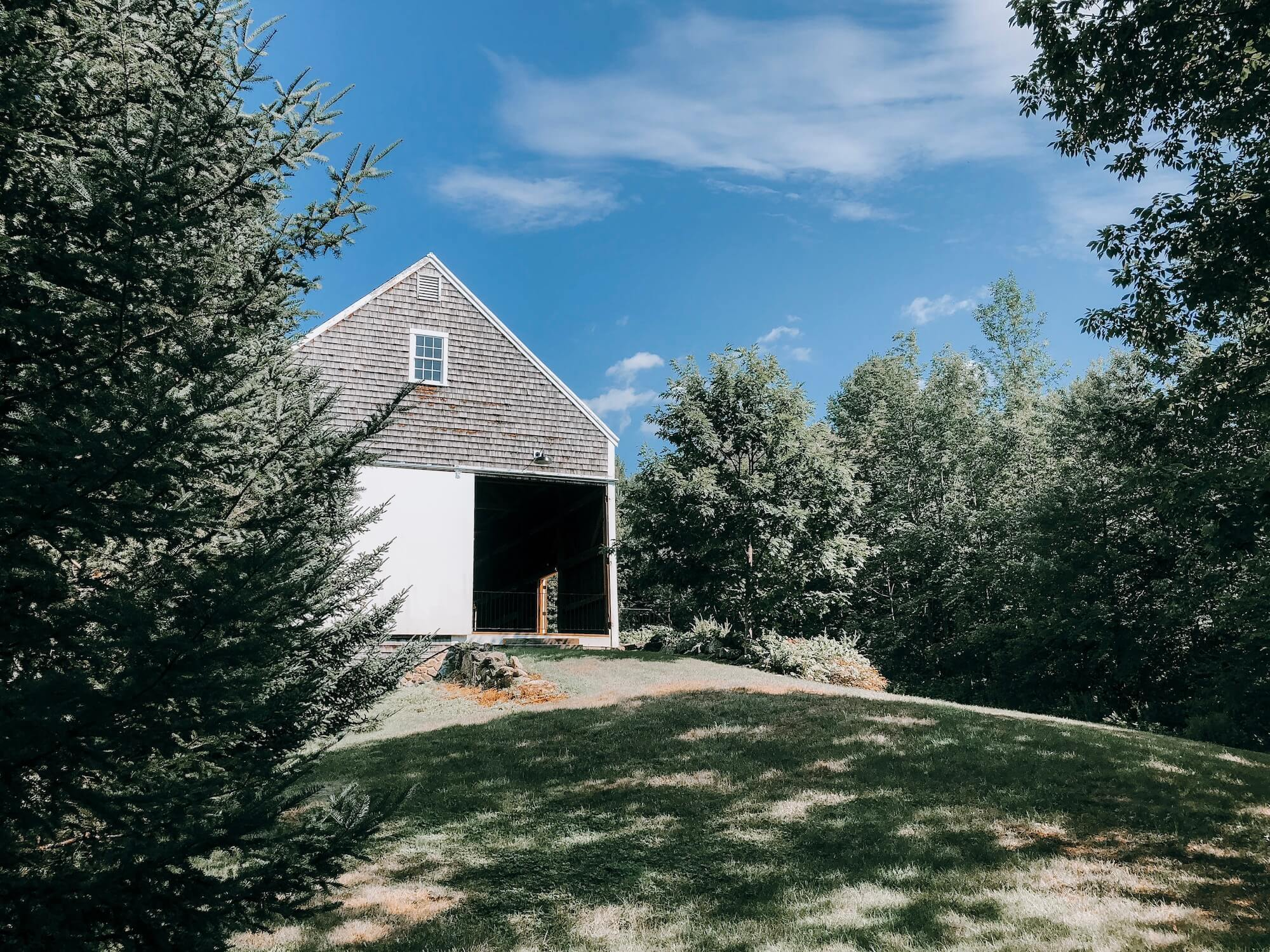 new-england-barn-wedding-cunninham-farm.jpg