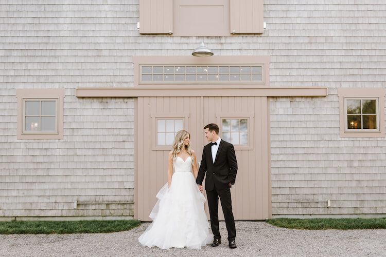 a classic barn wedding in maine -