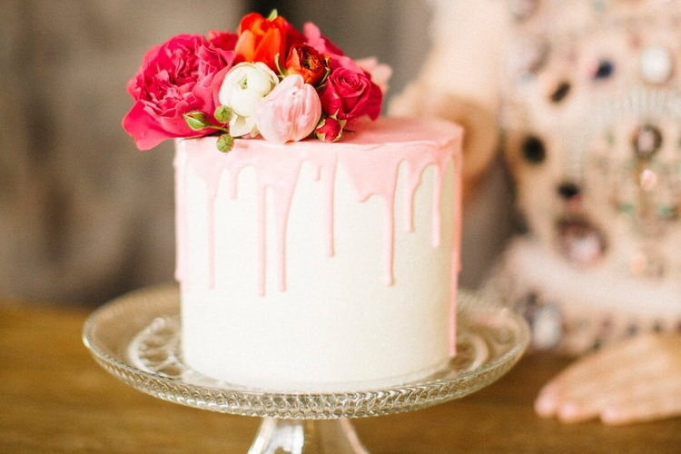 MAINELY WEDDING CAKES -