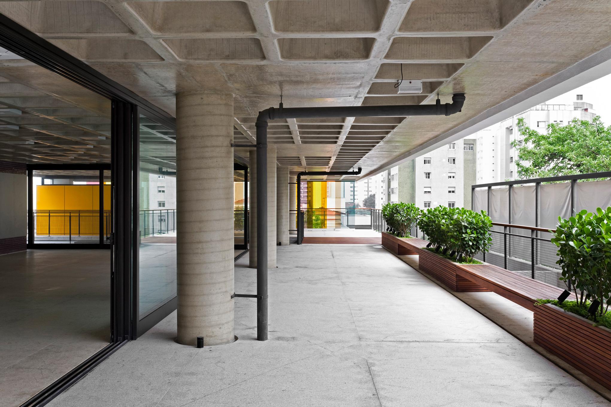 gui-mattos-2012-edificio-bruxelas-02.jpg