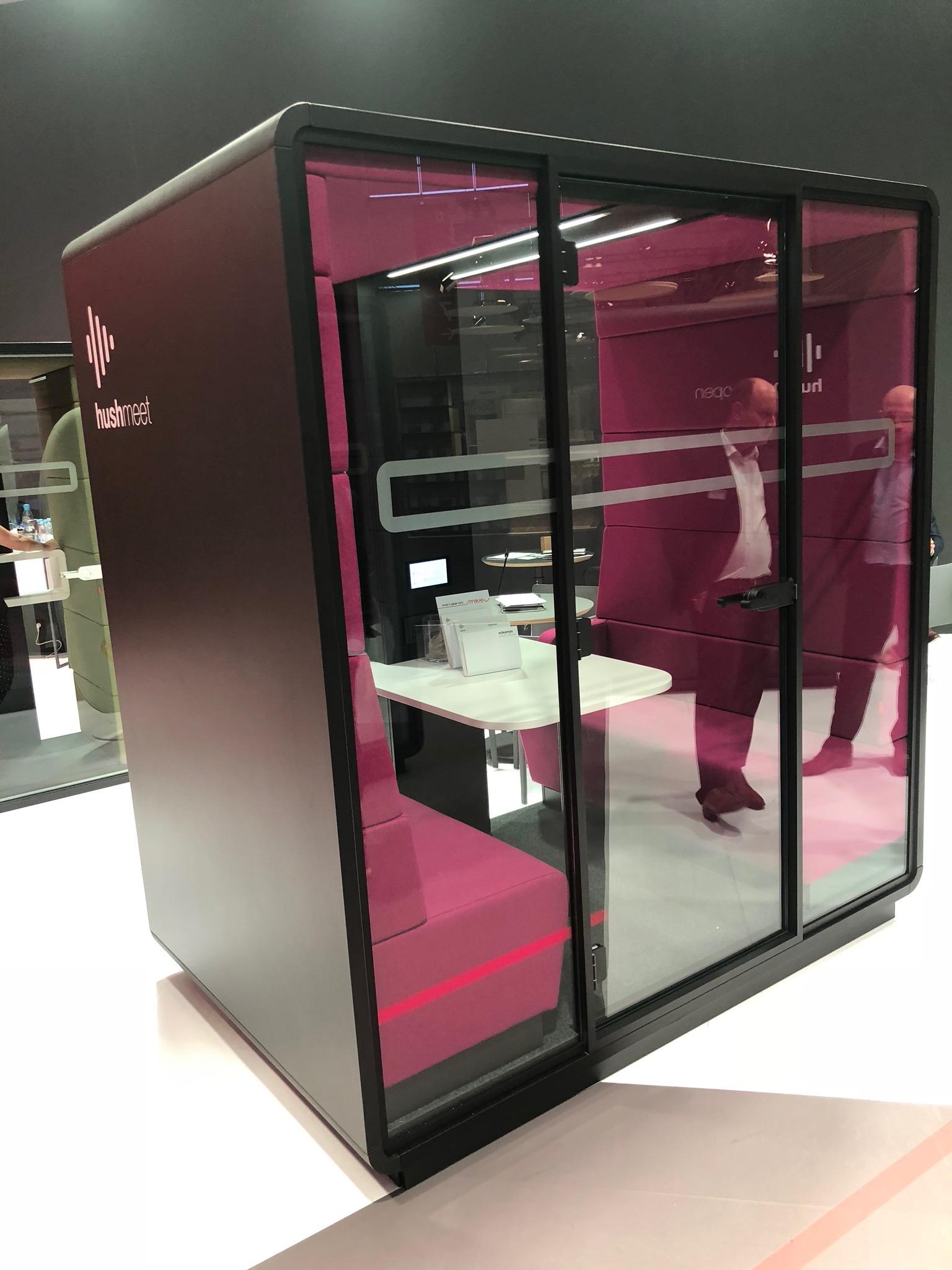 Decor-Design_ORGATEC-2018_akustične-kabine-govorilnice_7.JPG