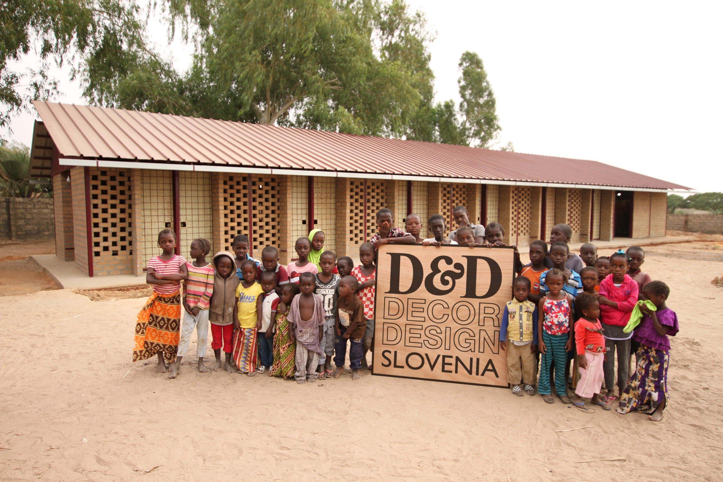 """Izobraževalno-karierni center v Gambiji, ki so ga prostovoljno načrtovali in tudi zgradili študenti Fakultete za gradbeništvo in Fakultete za arhitekturo v Ljubljani pod skupnim imenom """" Streha za vse """"."""