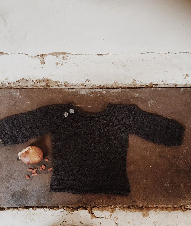 Why I knit for the little newborn is not just to