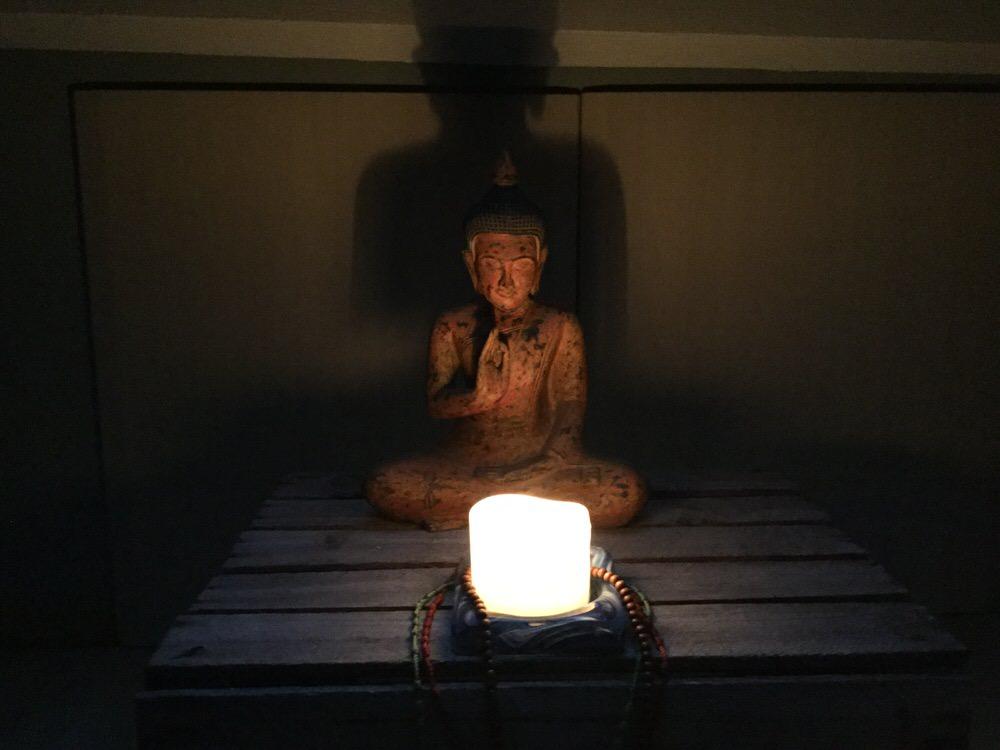 candlelit-yoga-workshop.JPG