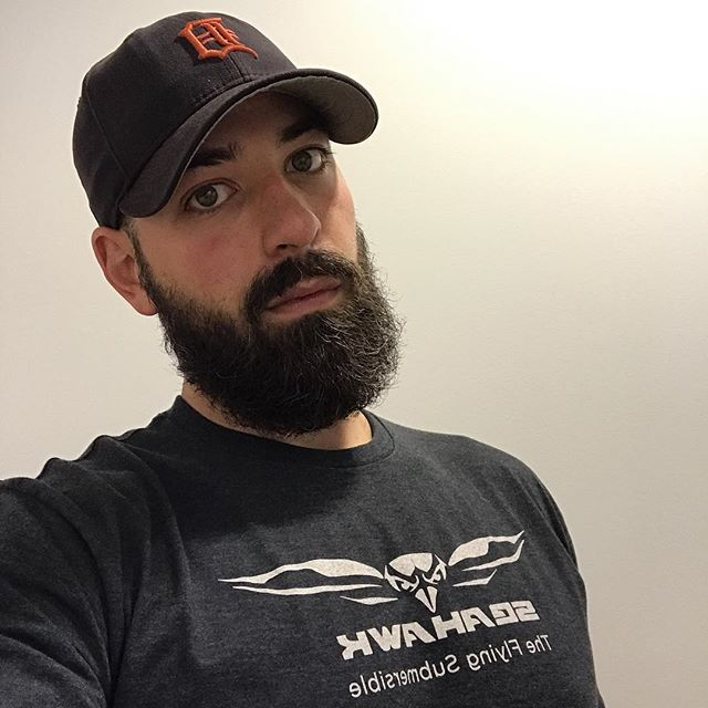 @meatandmotors looking hot as always sporting the newest @iglooinc #seahawk Tee.  Thanks to @scott_ewen_paints for the sweet design!  @cam_rodger03: it's time to post your selfie now!