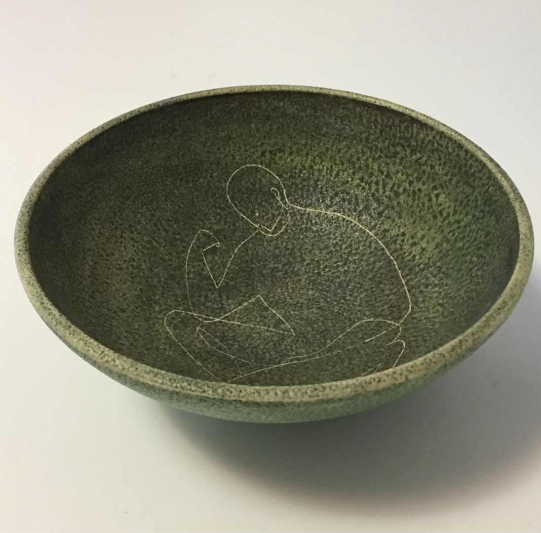 """Theo and susan harlander, brooklin pottery bowl - Etched figure on inside. Perfect condition. Diameter 6.25, height 2.5"""". Marking on bottom."""