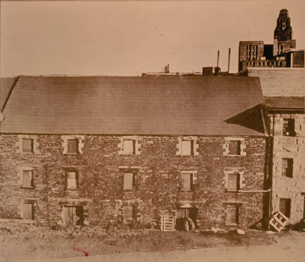 historic properties collins court.jpg