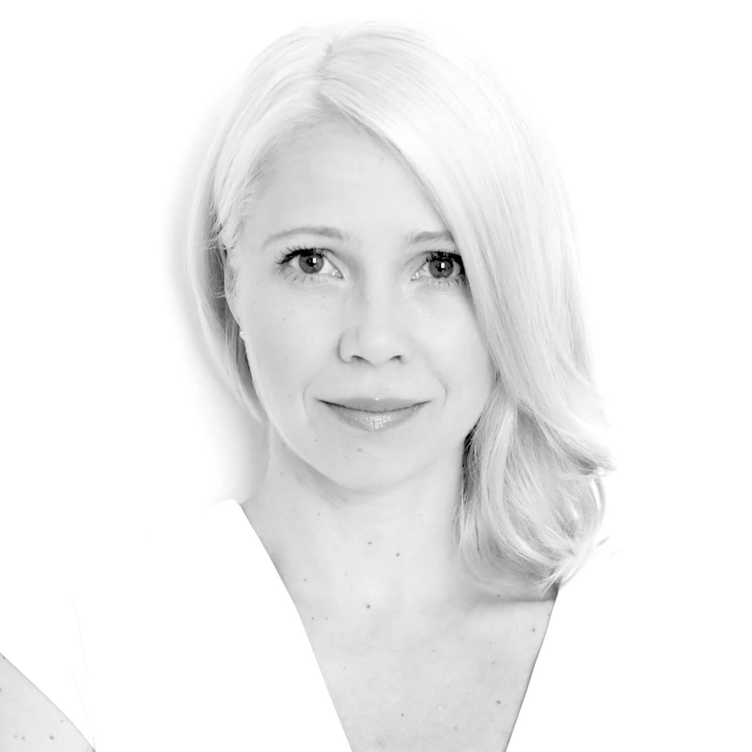 Nadine Bütow - Public Relations