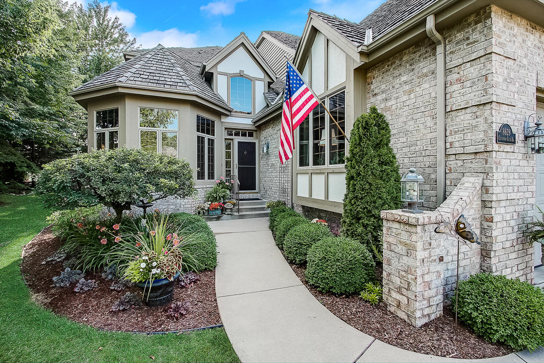 condo-for-sale-franklin-wi-s-country-club-dr