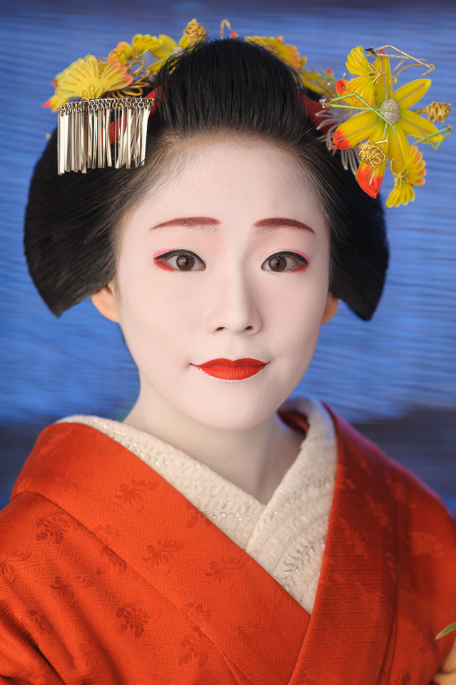 The maiko Manaha of Gion Kobu with maple leaf hair ornaments