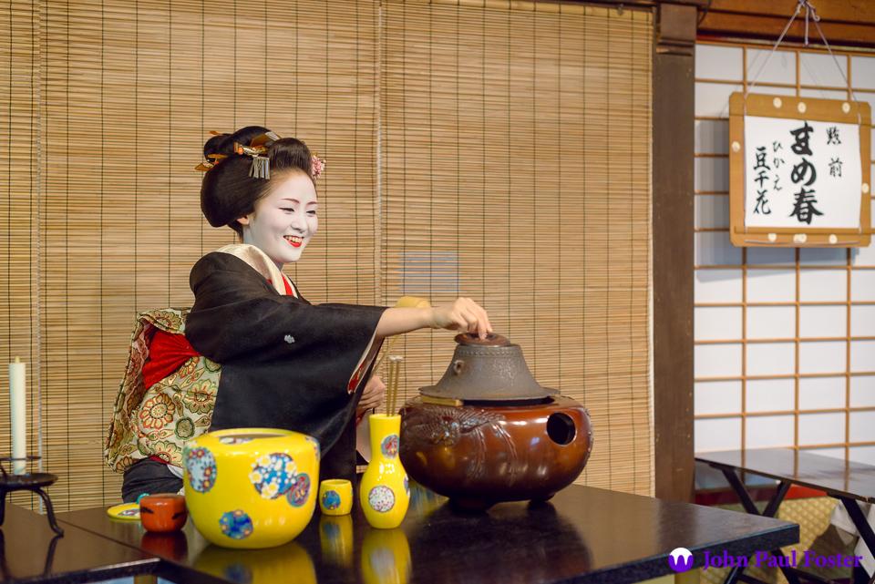 The geisha Mameharu of Gion Kobu prepares for the tea ceremony at Miyako Odori