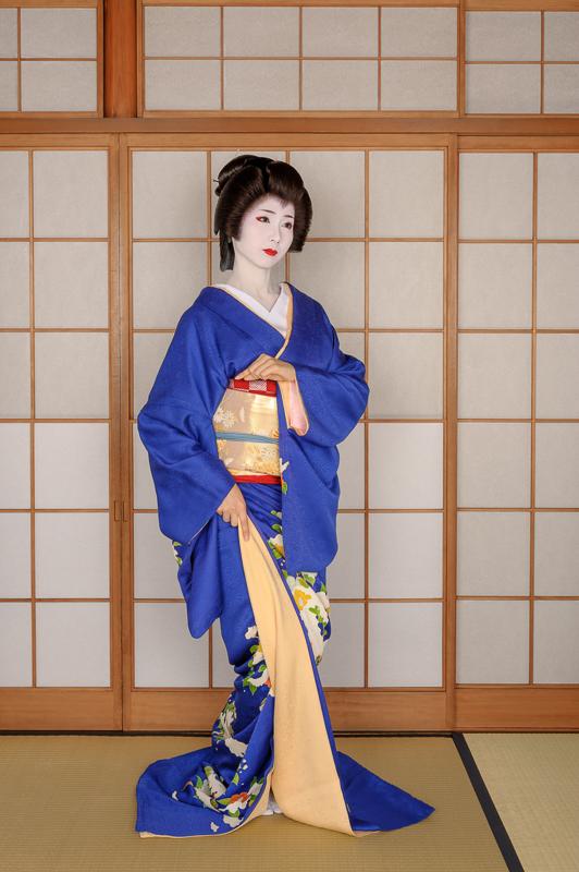 Geisha Mamehana Dancing Kurokami