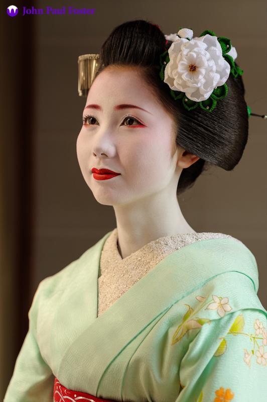 Mamehana_of_Gion_Kobu_as_a_Maiko-1