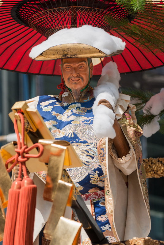Moso-yama is one of the smaller floats of the Gion Festival and is based on an ancient Chinese tale.