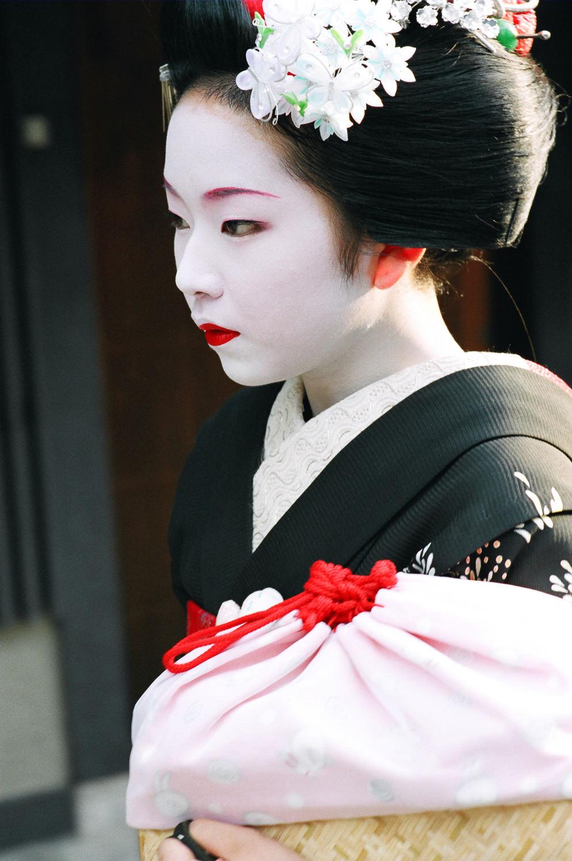 100-Views-Maiko-Geiko-29.jpg