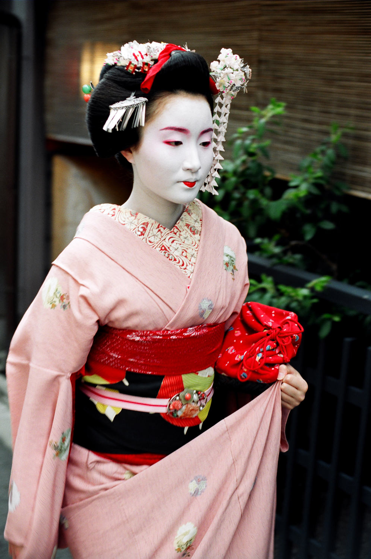 100-Views-Maiko-Geiko-34.jpg