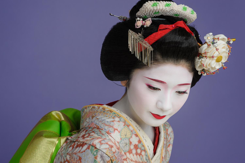 maiko-tanewaka-monday.jpg
