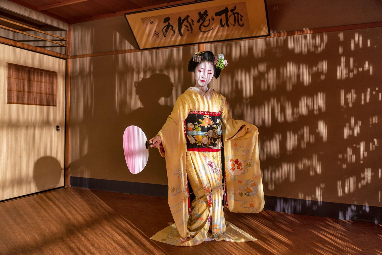 maiko-toshikana-june.jpg