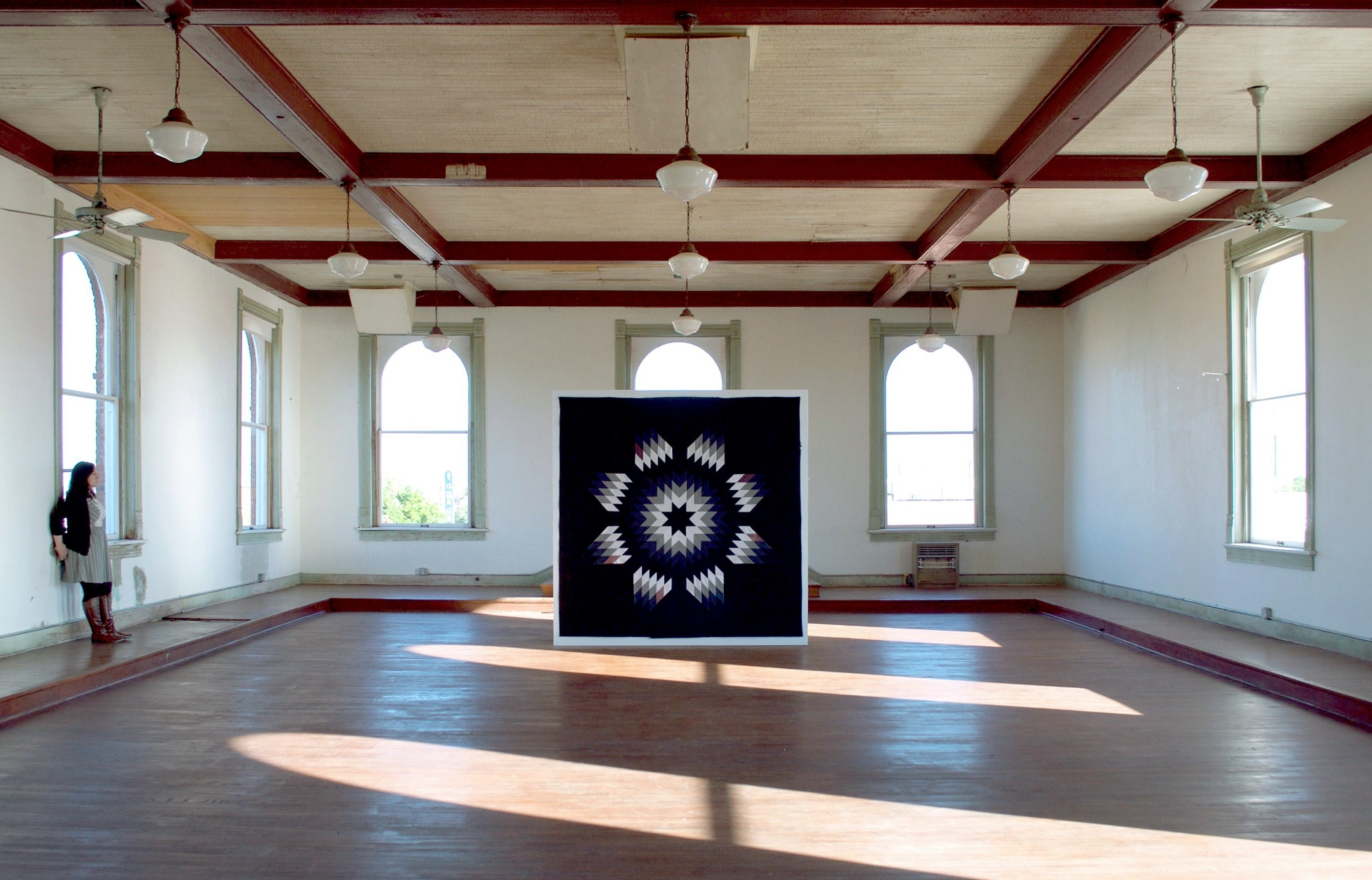 Andreana Donahue, Lone Star (Remembrance Quilt), installation view at 100 West in Corsicana, Texas, 2016 (Image courtesy Kyle Hobratschk)