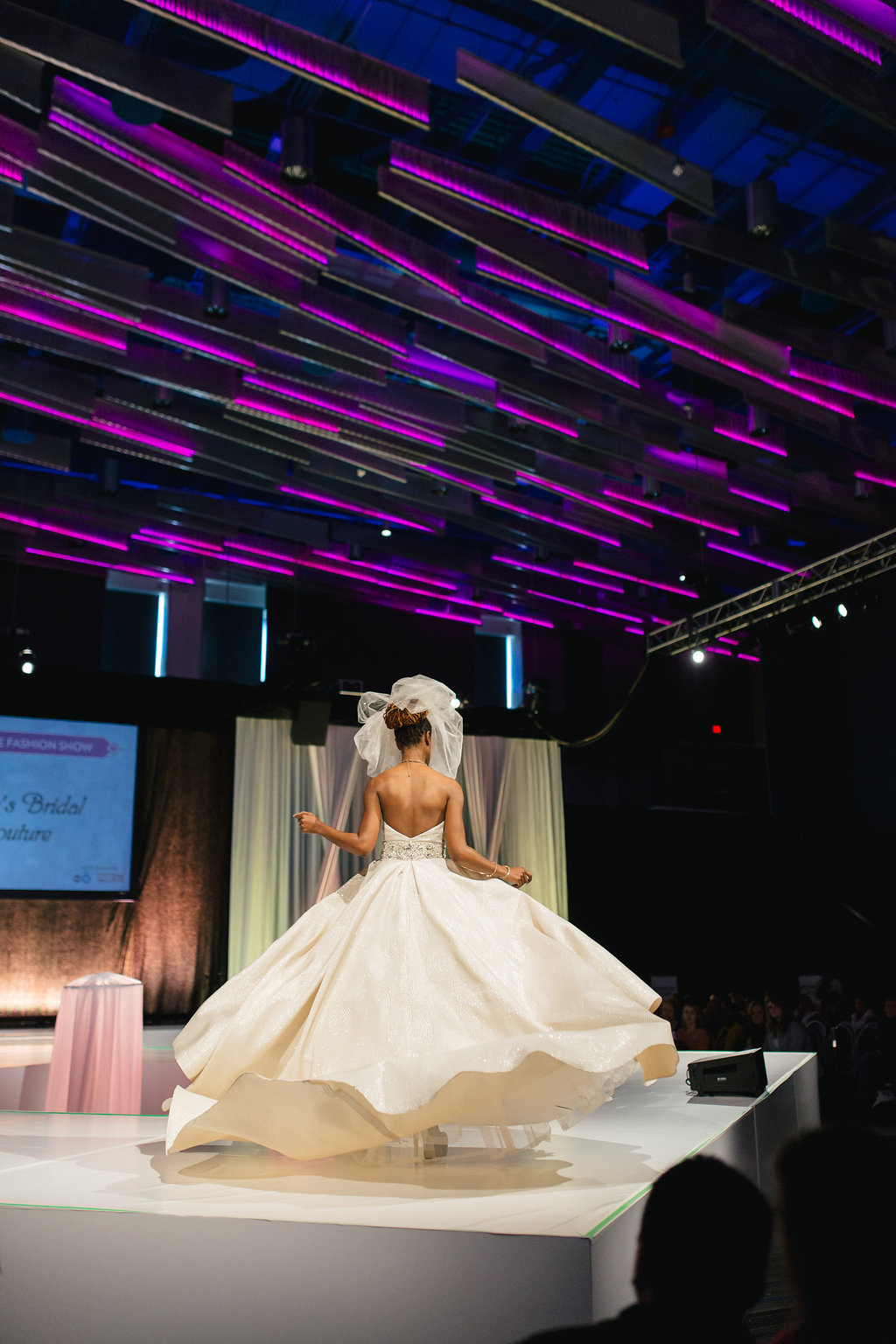 ColumbusWeddingsShow-103.jpg