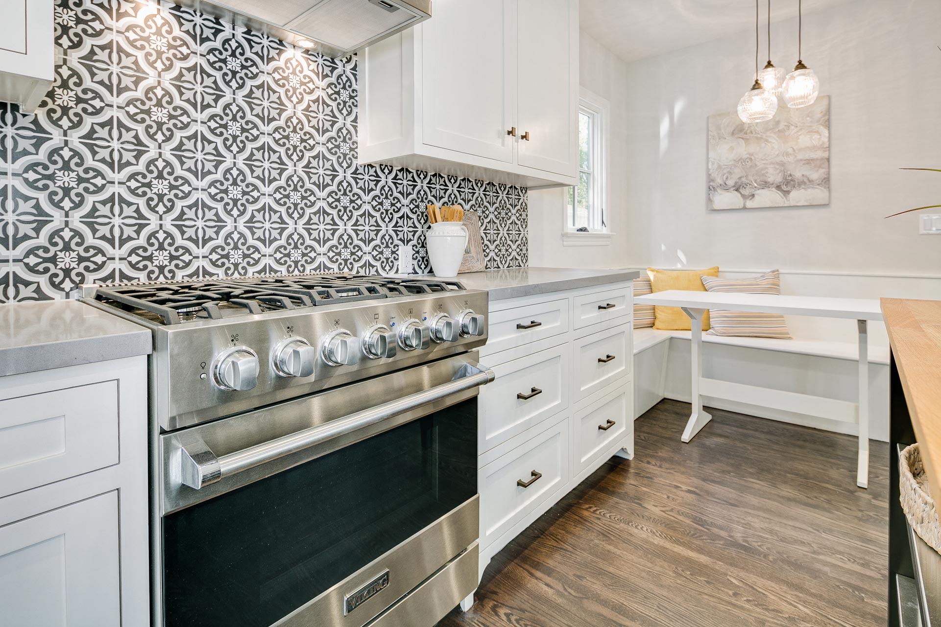 English-Cottage-Kitchen-Backsplash-Range-Premier-General-Contractors.jpg