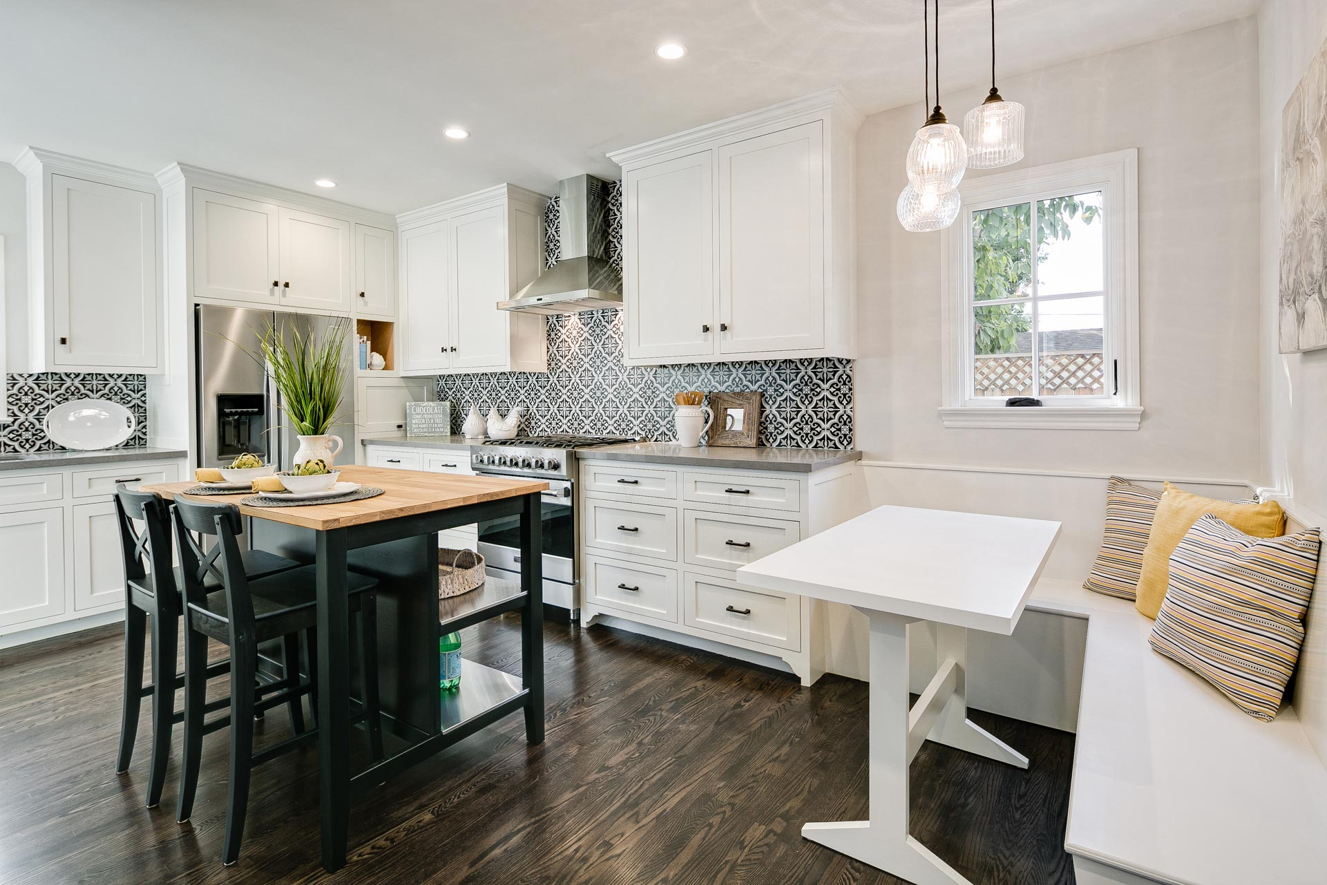 English-Cottage-Revival-Kitchen-Breakfast-Nook-Premier-General-Contractors.jpg