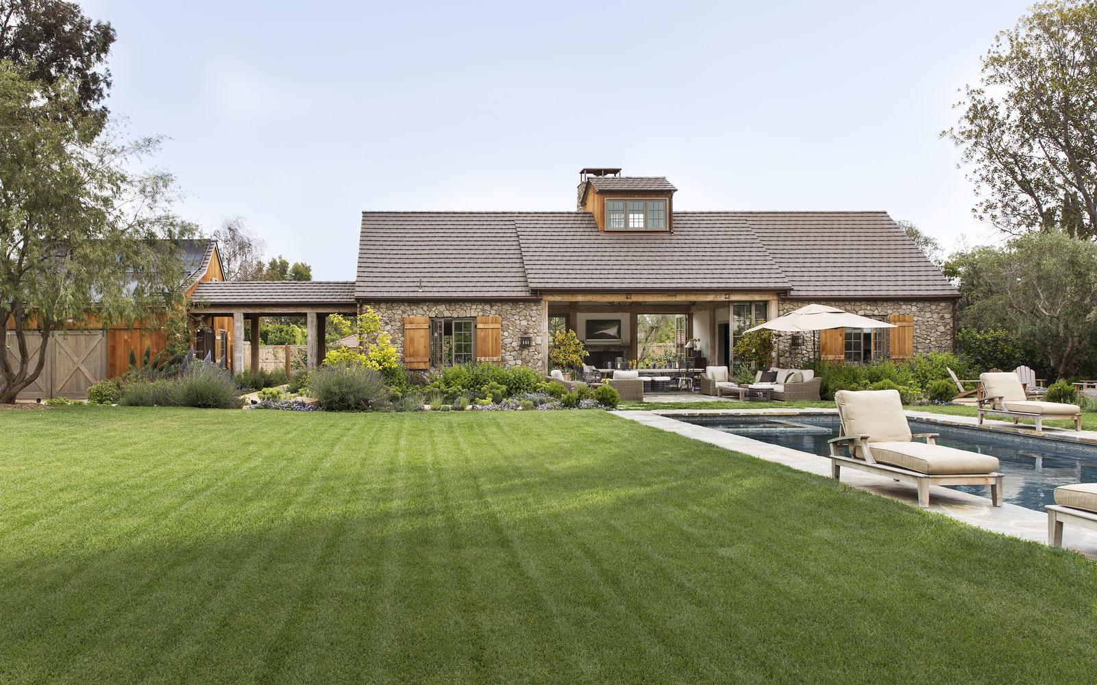 Rustic-Modern-Farmhouse-Pool-Premier-General-Contractors.jpg