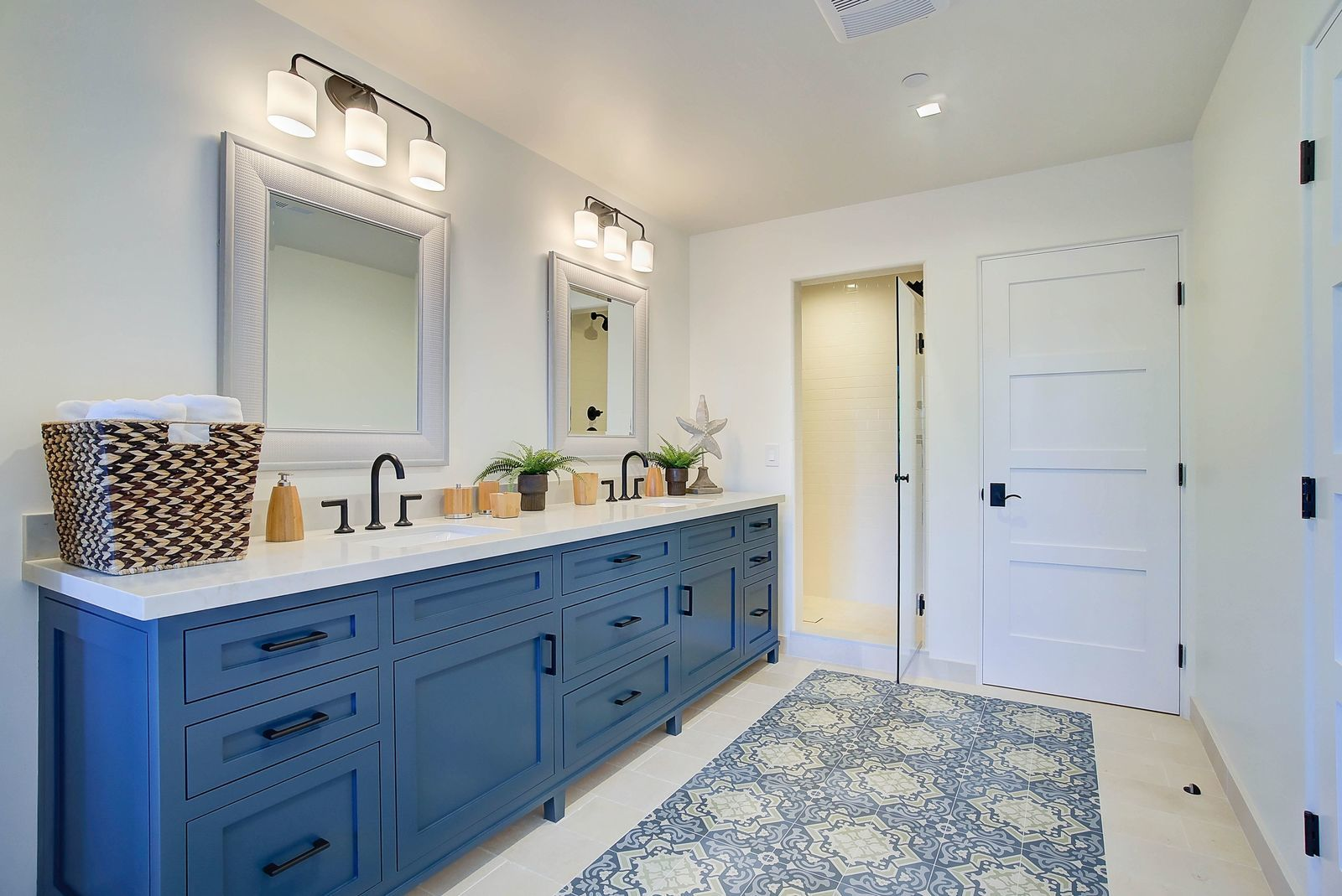 dual-vanity-spanish-bathroom-premier-general-contractors.jpg