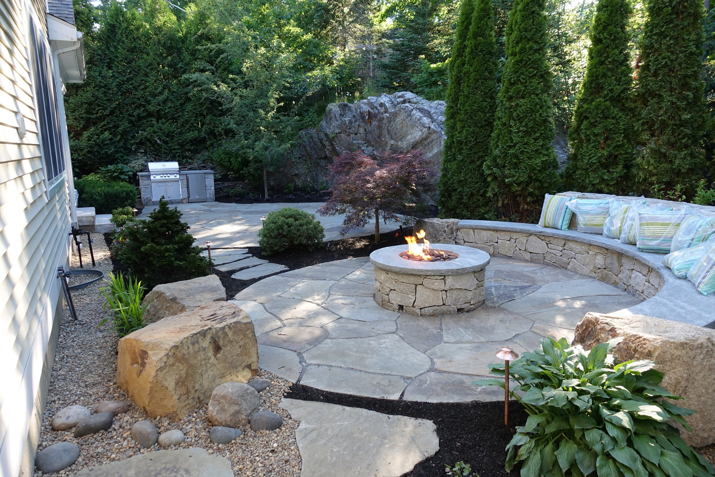 Jay ME Wall Stone with Mystic Cap Fire Pit.JPG