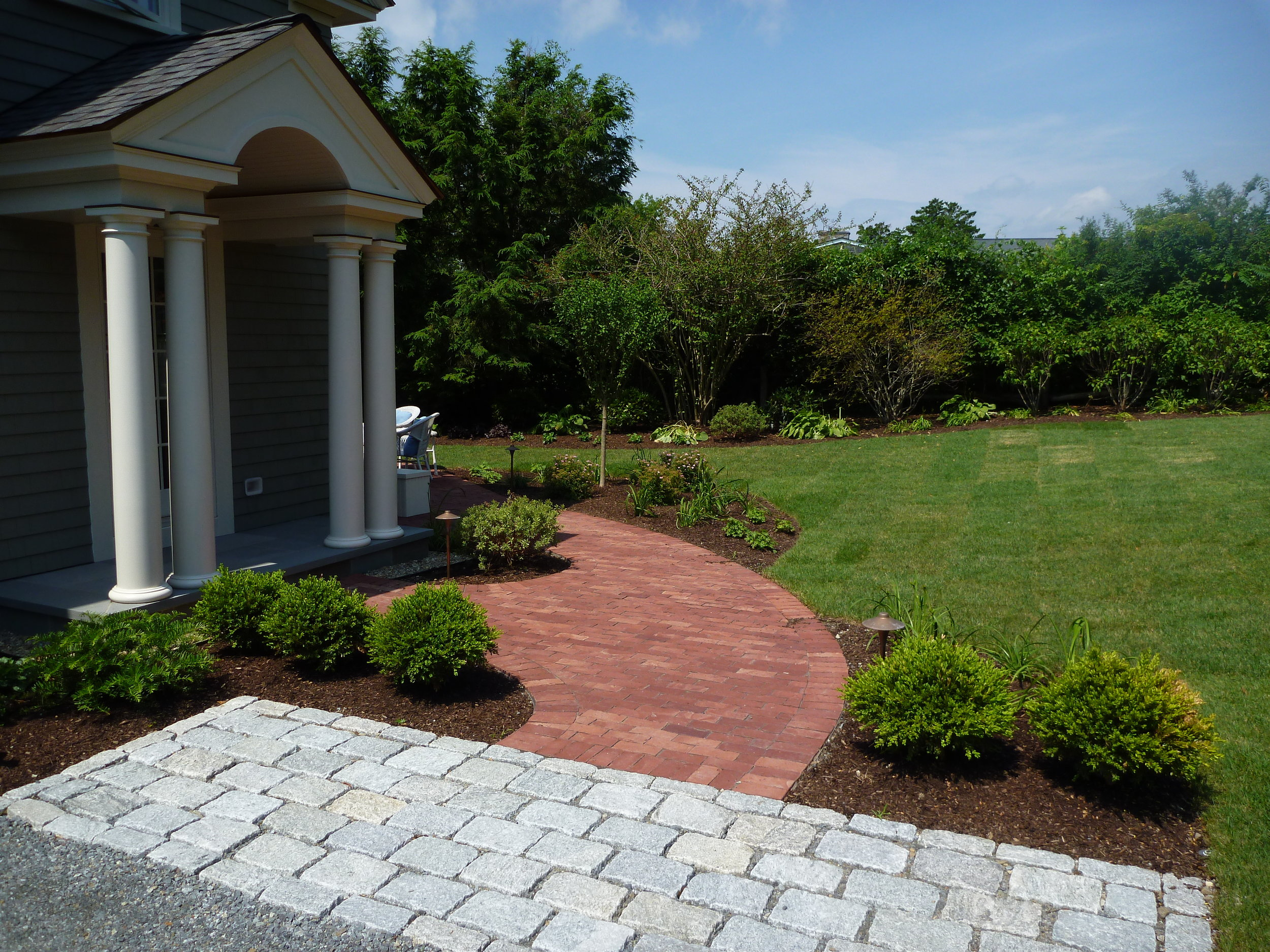 Jumbo Cobble Apron with S&H Brick Pathway.jpg