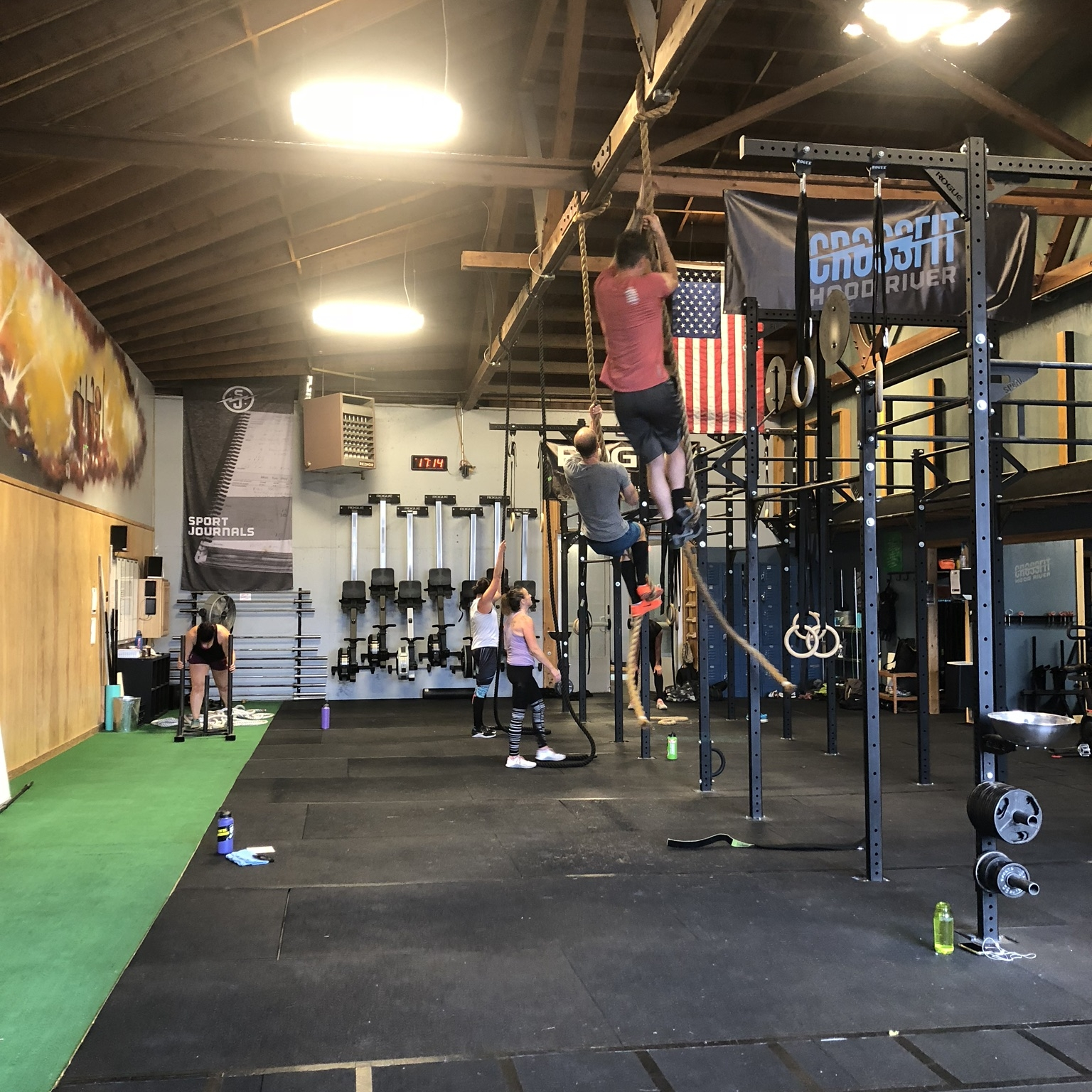 CROSSFIT - Functional FitnessSmart ProgrammingCustomized to Fit Individual NeedsSupportive CommunityHigh Caliber CoachesWorld Class Facility