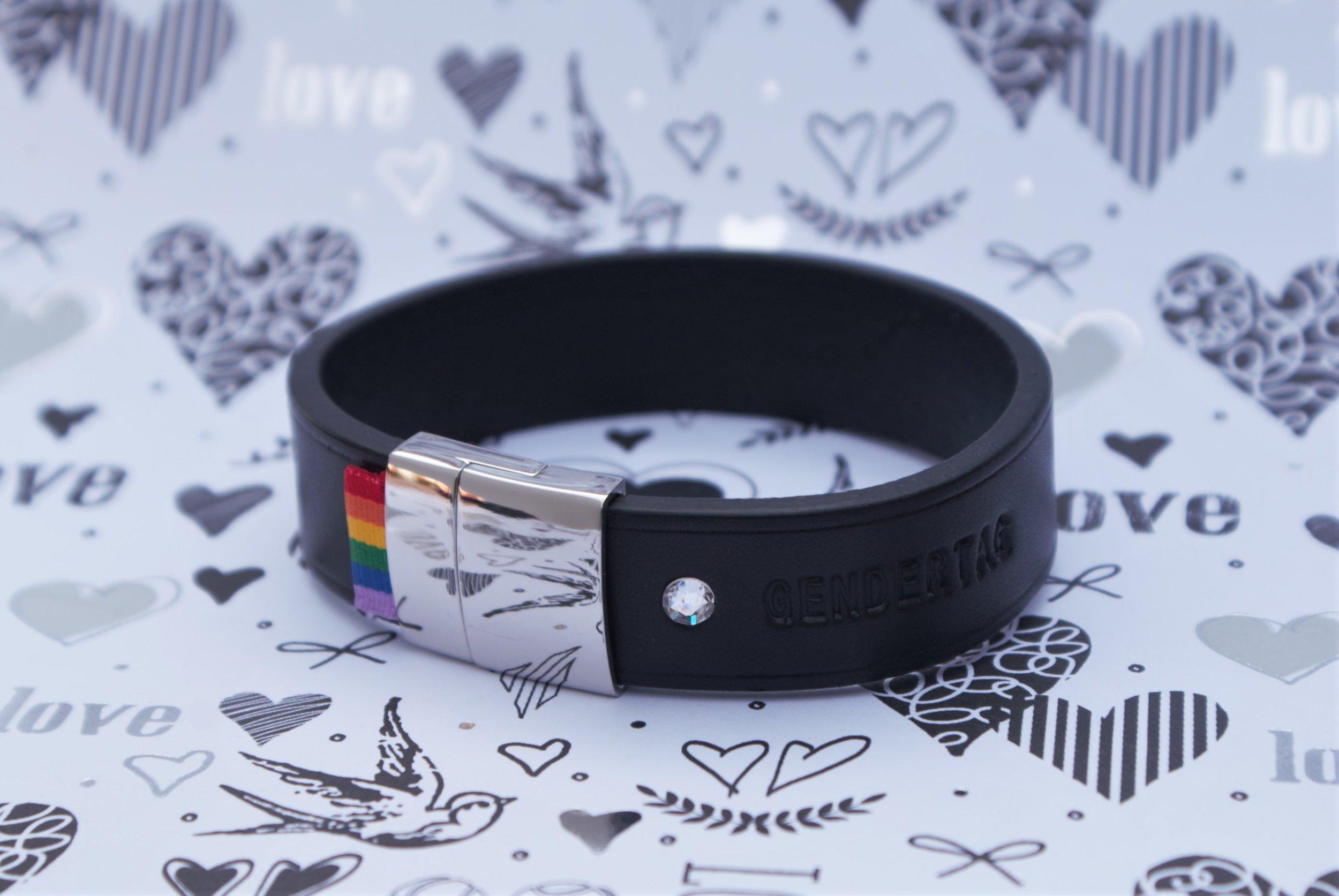 DSC08953 18mm black bracelet horizontal.jpg