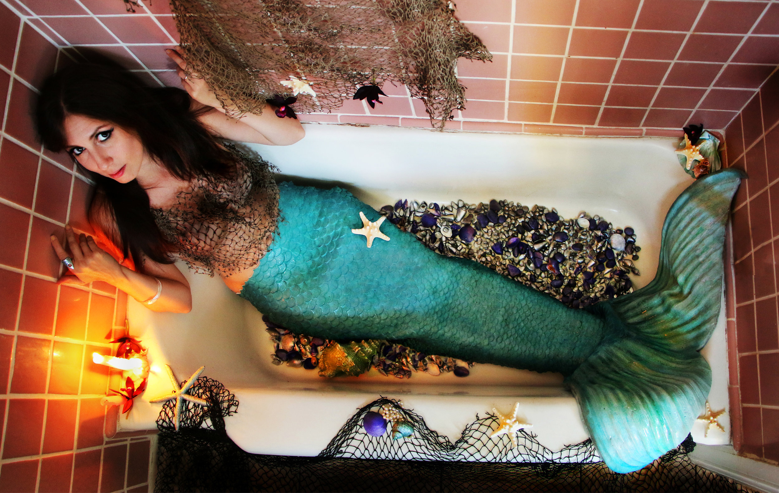 Client: FINSPO Mermaid Tails by Amanda Avery Model: Lauren DeAngelus
