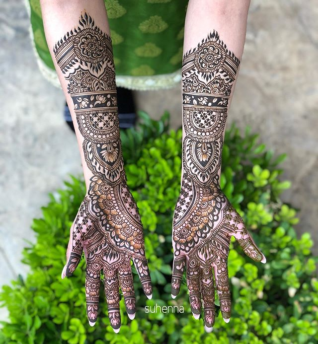 "Sukhman's bridal henna✨ can you find the grooms name? ""Jaskaran""  @sukhmanraggi"