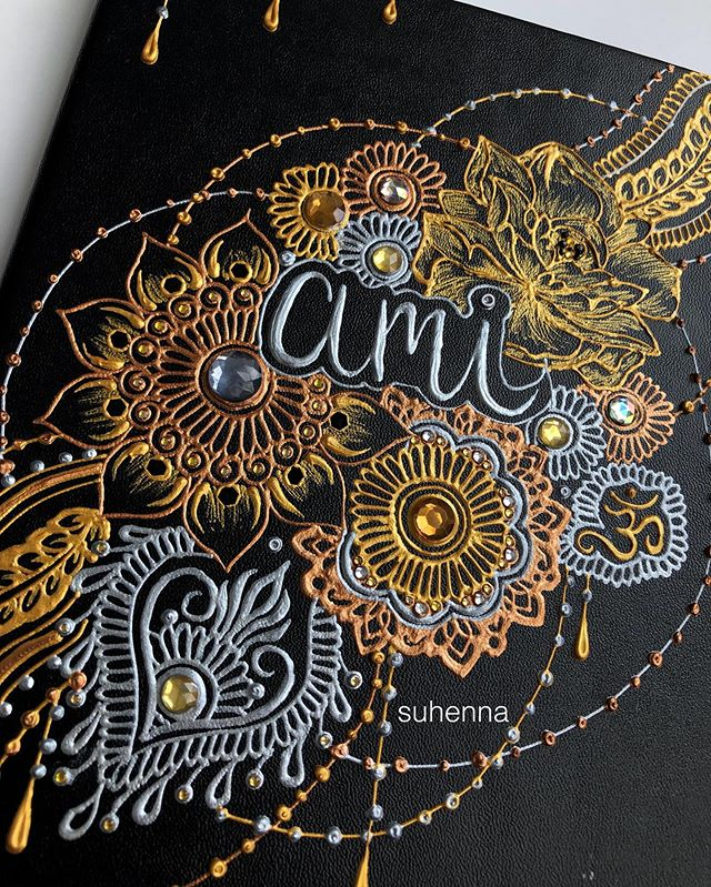 so i decorated a notebook for my mom, kinda love how it turned out . . . #suhenna #henna #hennaart #vegashenna #lasvegashenna #hennacanvas #hennanotebook
